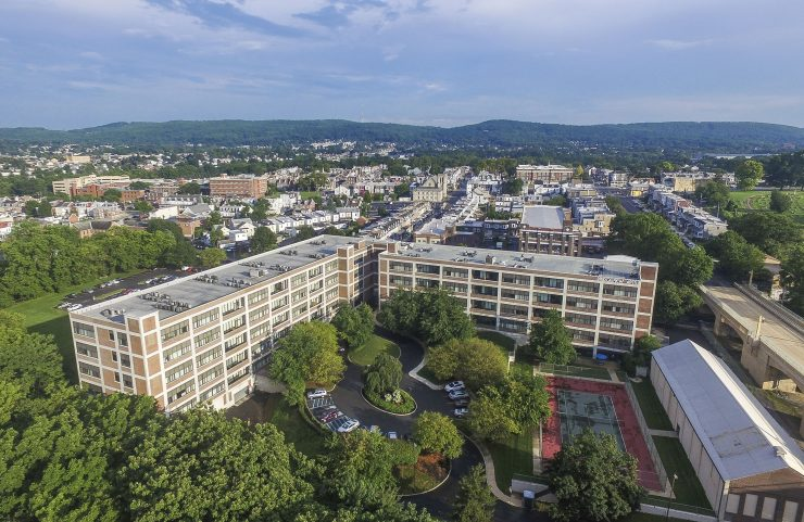Apartments with tennis courts in Allentown, PA