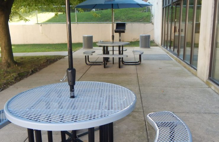outdoor seating with grill