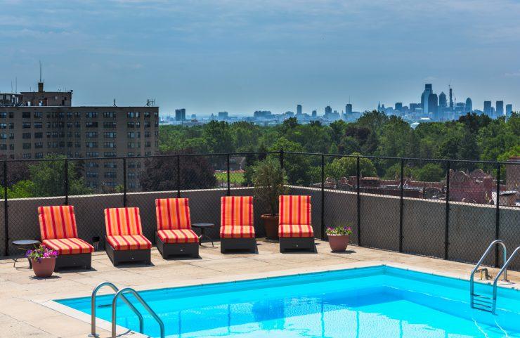philadelphia apartment with pool