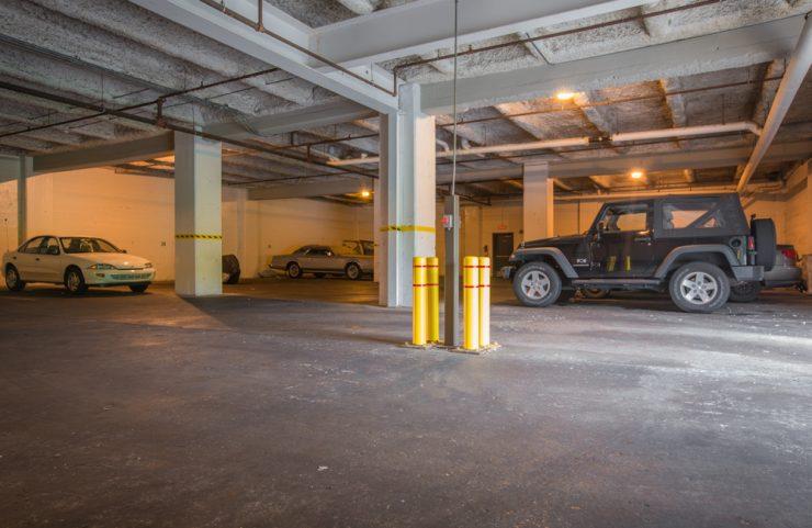 garage parking option