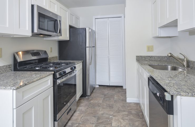 apartments with white kitchen cabinets