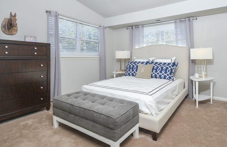 bedroom with carpets and plenty of room for furniture