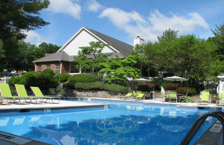 wethersfield apartment with pool