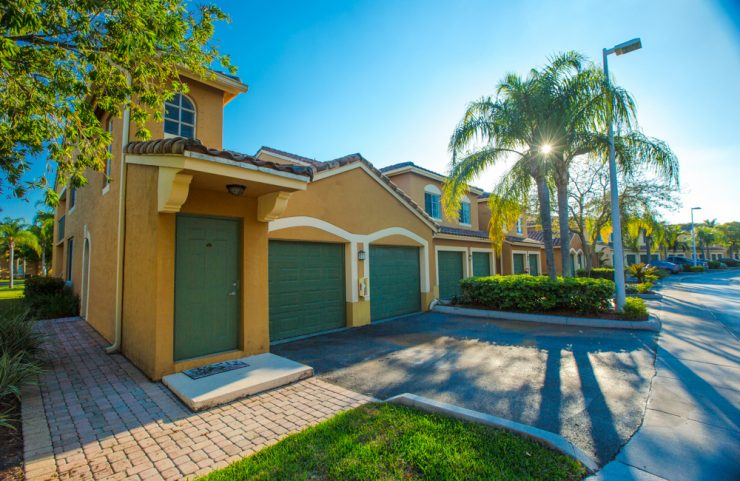 pembroke pines apartment with garage