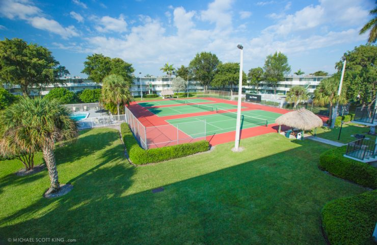 apartments with tennis courts
