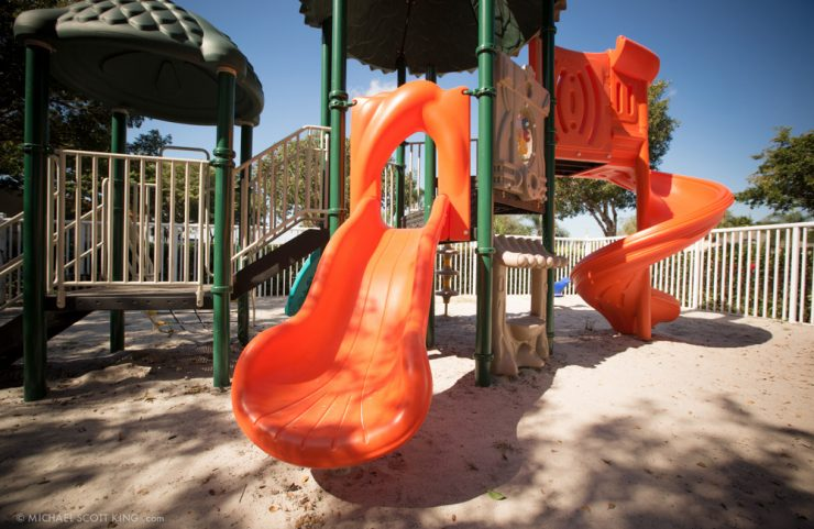 apartments with playgrounds for kids