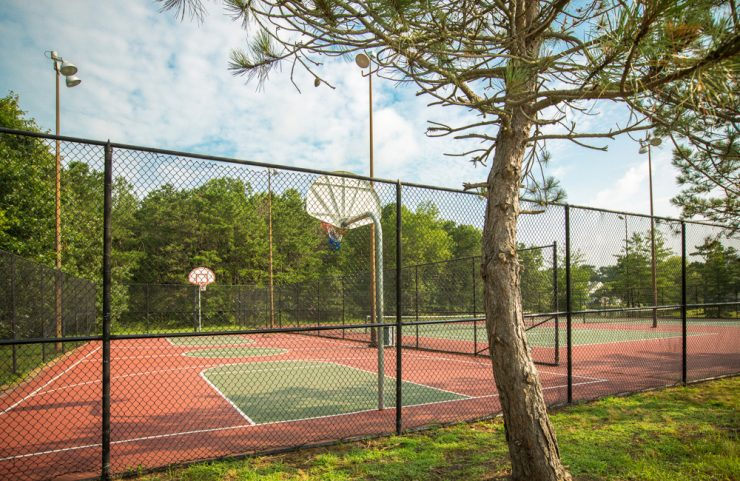 mays landing apartment with basketball court