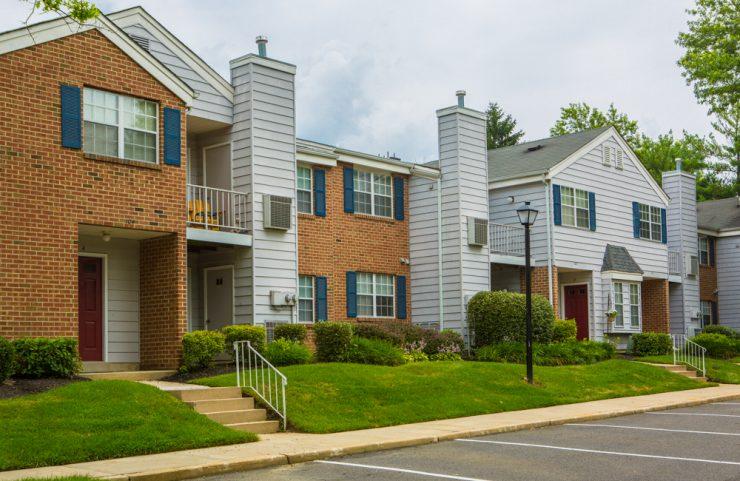mount laurel apartments