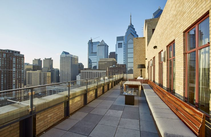 sky deck with benchs, tables and amazing view of philadelphia