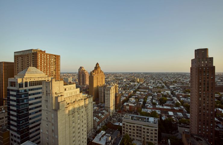 apartments with views of rittenhouse