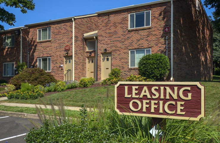 leasing office signage infront of entrance