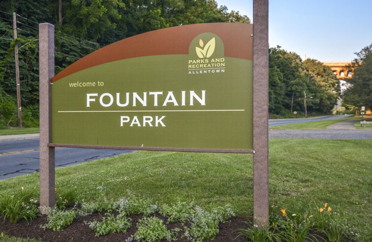 Nearby: signage of Fountain Park