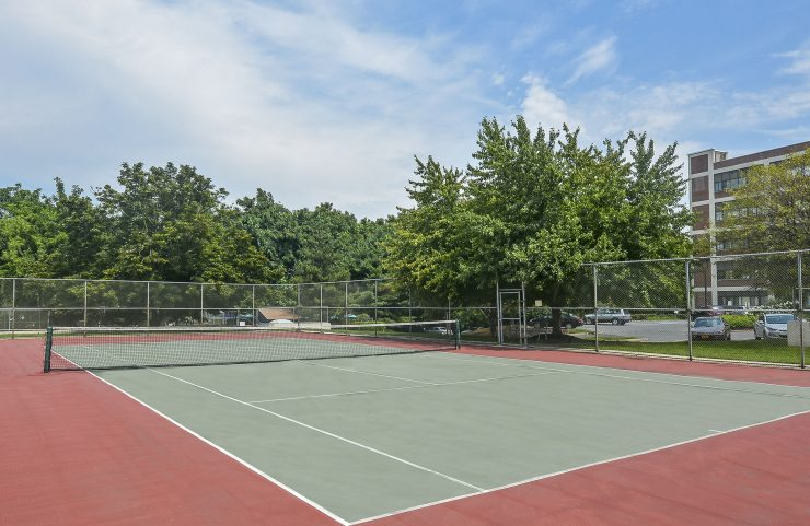 Allentown Apartments with tennis courts