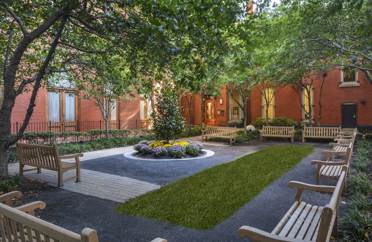 apartments in Philadelphia with a courtyard
