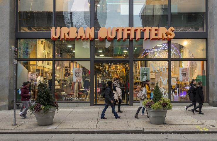 urban outfitters entrance