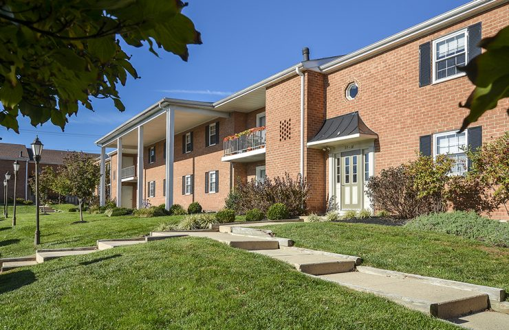 Apartment with Pool in norristown