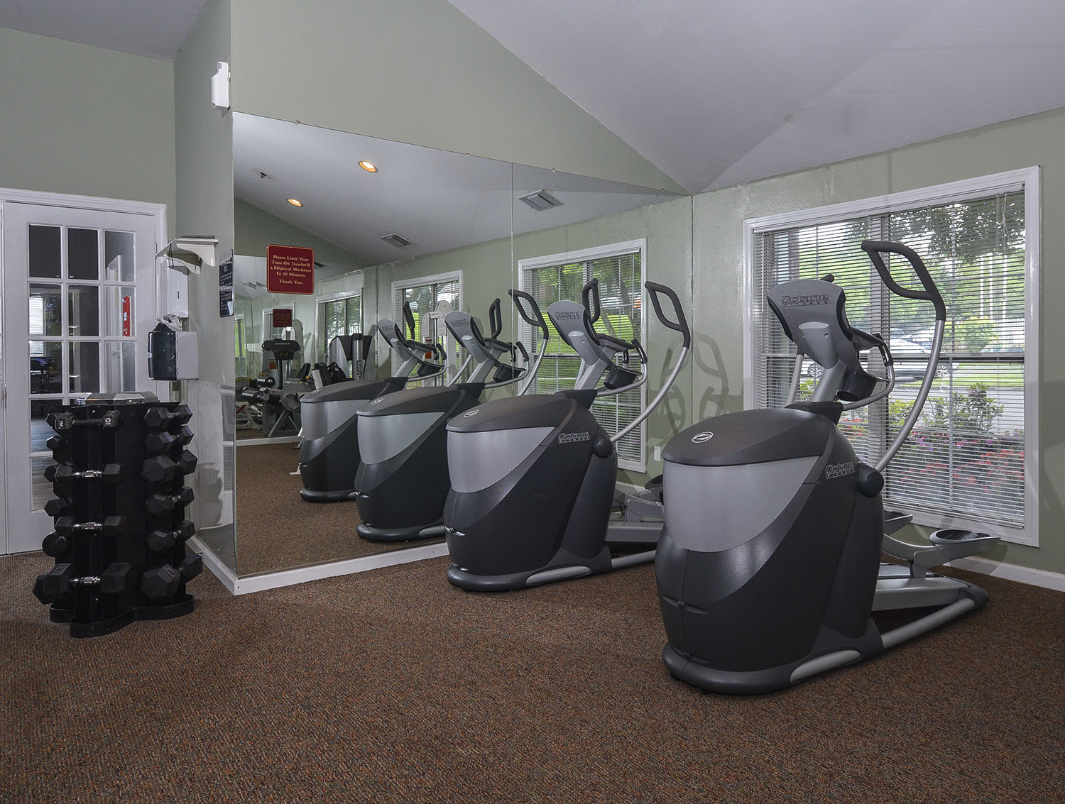 apartments with gym in wethersfield ct