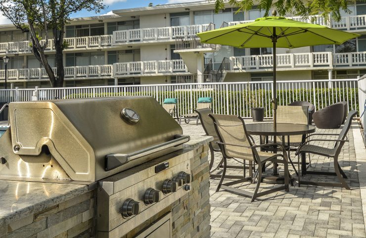 fort lauderdale apartments with grills