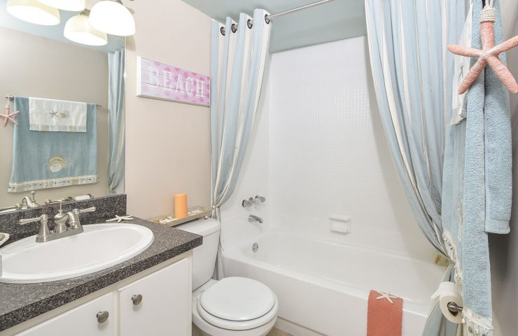 standard bathrroom with tub