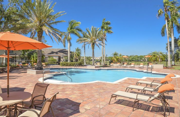apartment with pool in pembroke pines