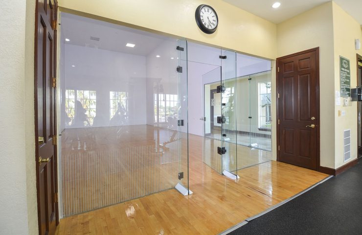 racquetball court on premises
