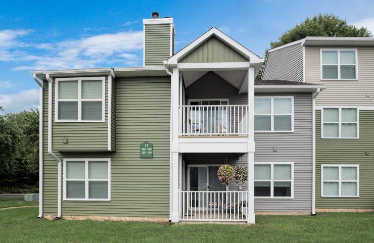 apartments with balcony in Marlton, NJ