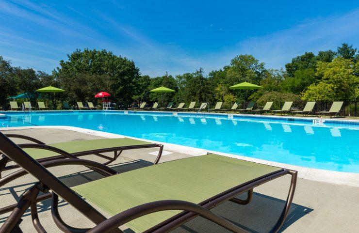 sun bathe poolside