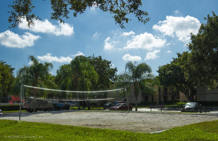 apartments with volleyball court