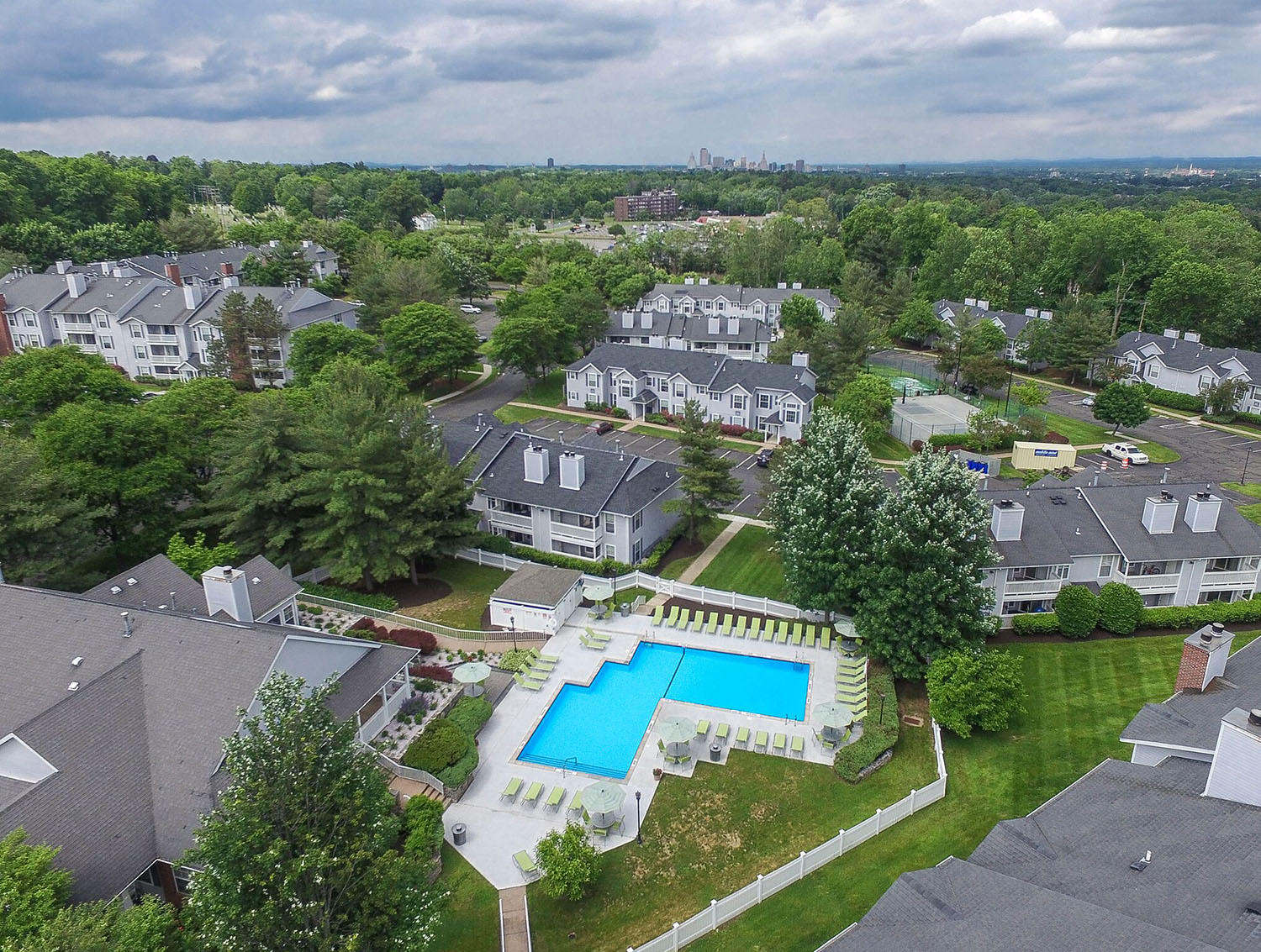 apartments in wethersfield with pool
