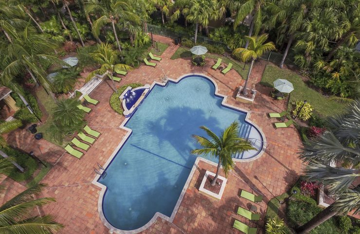 apartments in broward county with a pool