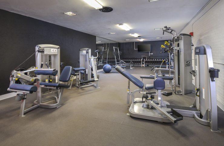 fairmount rentals with fitness center